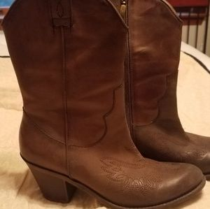 Guess leather cowgirl boots